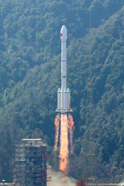 شلیک یک فروند موشک ماهواره بر حاوی دو ماهواره از پایگاهی فضایی در استان سیچوان چین