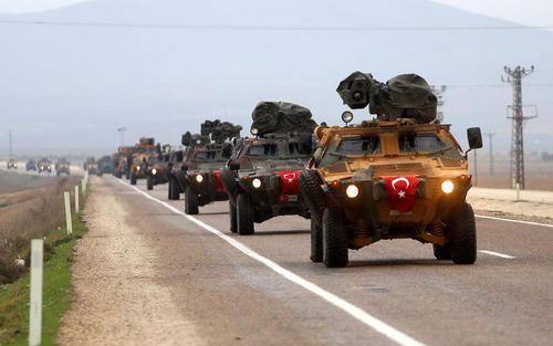 جولان ادوات نظامی ارتش ترکیه در شهر ریحانلی در مرز با سوریه