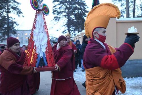 مراسم ویژه سال نو چینی در معبد بوداییها در شهر