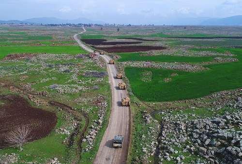 خودروهای زرهی ارتش ترکیه در حال عزیمت به مرز سوریه- منطقه
