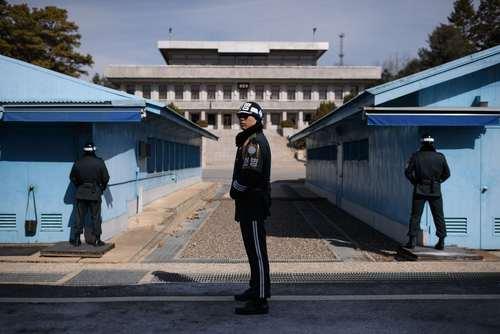 سربازان کره جنوبی در منطقه صفر مرزی بین دو کره