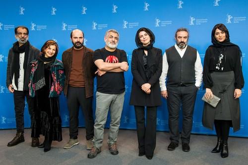 پریناز ایزدیار/حسن معجونی/لیلا حاتمی/مانی حقیقی/علی مصفا/لیلی رشیدی/علی باقری