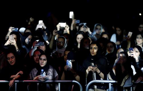 نخستین کنسرت موسیقی جَز در عربستان سعودی - جمعه شب در ریاض/عکس: فیصل الناصر / رویترز