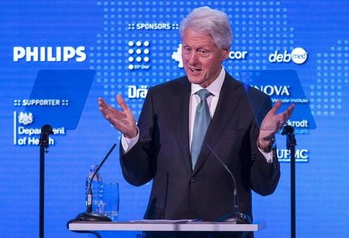 سخنرانی بیل کلینتون رییس جمهوری اسبق آمریکا در اجلاس جنبش ایمنی بیماران در لندن. این جنبش هدف کاهش جهانی مرگ و میرهای بیمارستانی را دنبال می کند.
