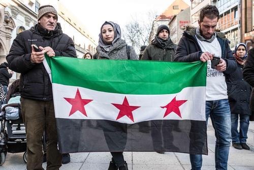تظاهرات علیه کشتار غیر نظامیان در بمباران نیروی هوایی سوریه در غوطه شرقی شهر دمشق سوریه / شهر مونیخ آلمان