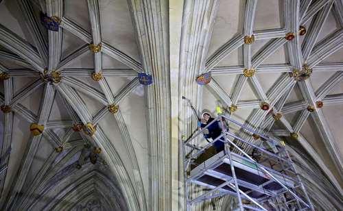 نظافت کلیسای جامع کانتربری لندن