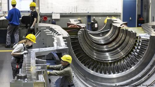 صادرات ماشینآلات ساخت آلمان در سال ۲۰۱۷ بالغ بر ۱۸۳ میلیارد و ۶۰۰ میلیون یورو بوده و در رتبه دوم صادرات این کشور قرار گرفته است. در مقایسه با ارقام واردات ماشینآلات به آلمان، این کشور ۱۰۳ میلیارد یورو بیشتر صادرات داشته است تا واردات.