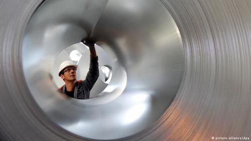 صادرات انواع فلزات از آلمان در سال ۲۰۱۷ بالغ بر ۵۳ میلیارد و ۸۳۰ میلیون یورو بوده است. این رقم در سال ۲۰۱۶ بالغ بر ۴۸ میلیارد یورو بود.
