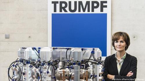 نیکولا لایبینگر کاممولر (Nicola Leibinger-Kammüller) رئیس هيئت مدیره کارخانه ماشینهای ابزار سازی ترموف (Trumpf) است. این کارفرمای برجسته همچنین عضو هیئتهای نظارت شرکتهای