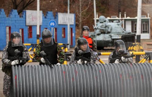 برگزاری مانور جنگ شهری از سوی ارتش کره جنوبی در شهر سئول