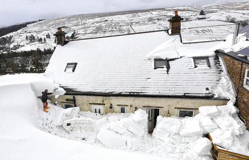 برف روبی خانه ای در شهر