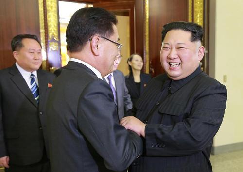 استقبال گرم رهبر کره شمالی از مشاور امنیت ملی دولت کره جنوبی – پیونگ یانگ/ عکس:خبرگزاری یونهاپ