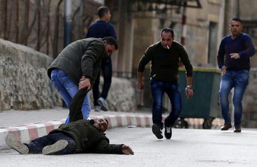 شلیک نیروهای اسراییلی به یک جوان 24 ساله فلسطینی معترض در جریان تظاهرات هفتگی ضد اسراییلی جمعهها- شهر الخلیل