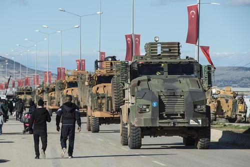 عبور ادوات نظامی ارتش ترکیه از شهر کیلیس برای وارد شدن به خاک سوریه