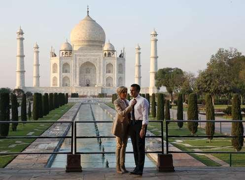 بازدید رییس جمهوری فرانسه و همسرش از عمارت تاریخی