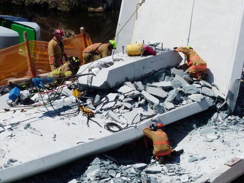 چهار کشته در حادثه سقوط پل تازه ساز در شهر میامی ایالت فلوریدا آمریکا