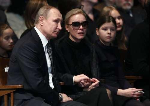 تسلای پوتین به همسر