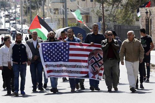 تظاهرات اعتراضی فلسطینیها علیه تصمیم دولت آمریکا به انتقال سفارتخانه آمریکا به شهر قدس به عنوان پایتخت اسراییل