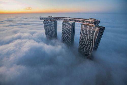 برجهای دوبی زیر مه غلیظ صبحگاهی- عکس روز وب سایت