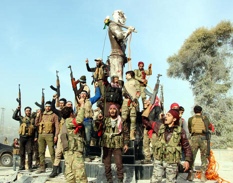 عکس پیروزی سربازان گروه موسوم به