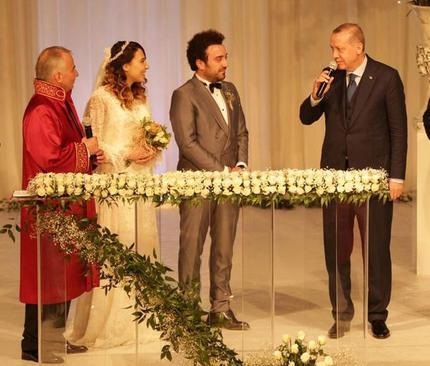 اردوغان شاهد مراسم عقد دختر شهردار شهر