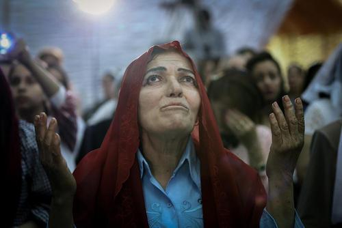 مراسم عید پاک در کلیسای مسیحیان قبطی مصر در شهر قاهره