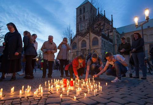 مراسم یادبود قربانیان حمله خودرویی اخیر در شهر مانستر آلمان
