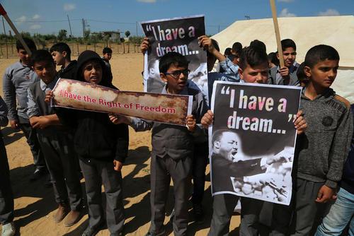 گردهمایی دانشآموزان فلسطینی در باریکه غزه برای تاکید بر حق بازگشت به سرزمین مادری