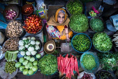 دستفروش میوه و سبزی در راجستان هند- عکس روز وب سایت