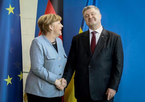استقبال آنگلا مرکل صدراعطم آلمان از پترو پروشنکو رییس جمهوری اوکراین- برلین
