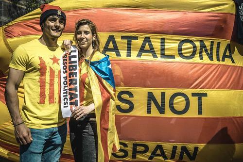 در حاشیه تظاهرات استقلال طلبان کاتالونیا اسپانیا- بارسلونا