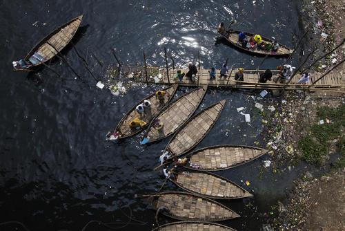 کرانه رود بوریگانگا در شهر داکا بنگلادش