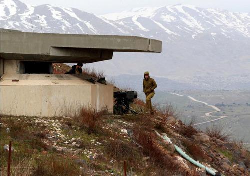 حضور سرباز اسراییلی در یک پست مرزی در بلندی های اشغالی جولان