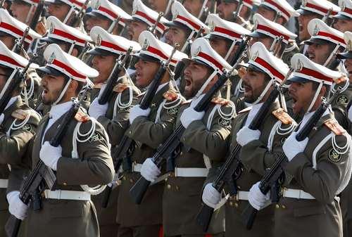 رژه روز ارتش در تهران – عکس: عابدین طاهرکناره