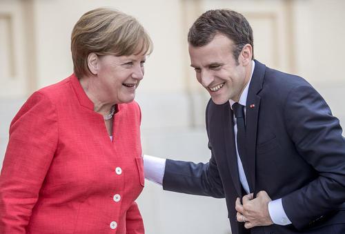 دیدار رهبران فرانسه و آلمان در برلین. این دو رهبر هفته جاری برای دیدار با ترامپ راهی واشنگتن خواهند شد.