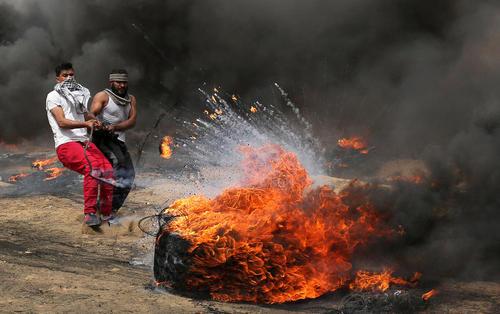 ادامه تنشها و تظاهرات ضد اسراییلی فلسطینیها در مرز باریکه غزه و اسراییل