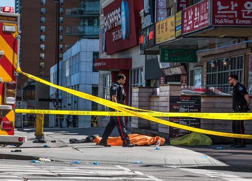 حمله یک خودروی ون به عابران پیاده در شهر تورنتو کانادا همزمان با برگزاری اجلاس وزرای امور خارجه 7 کشور صنعتی در این شهر