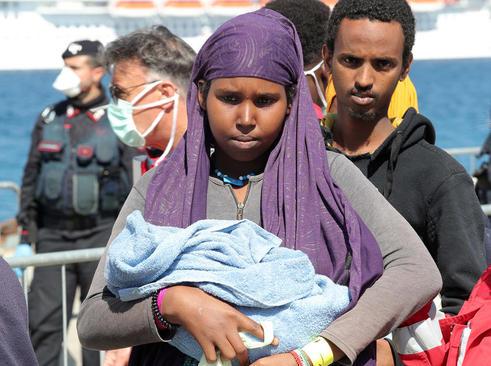 ورود پناهجویان آفریقایی به بندر مسینا در ایتالیا