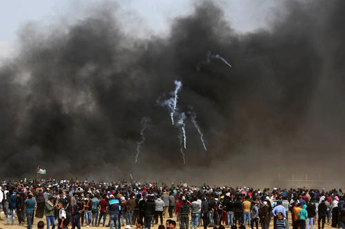 تظاهرات ضد اسراییلی فلسطینیها در مرز باریکه غزه