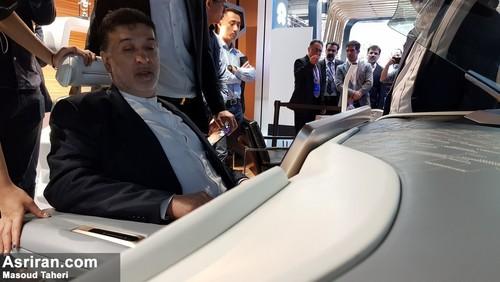 بهمن شریعت رئیس هیئت مدیره مدیران خودرو در حال بررسی امکانات Exeed (خودروی مفهومی چری)