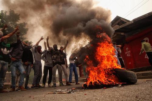 تظاهرات بر ضد دولت هند در کمشیر