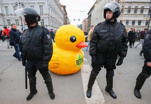 تظاهرات بر ضد پوتین در شهر سن پترز بورگ روسیه
