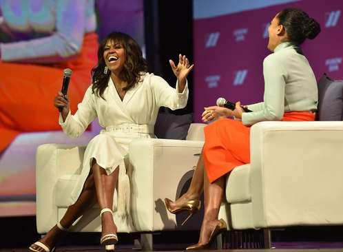 حضور میشل اوباما بانوی اول سابق آمریکا در نشستی درباره زنان در شهر لسآنجلس ایالت کالیفرنیا آمریکا