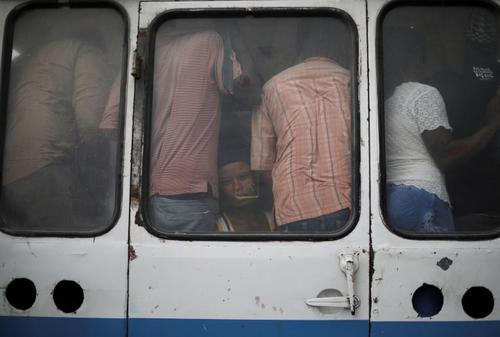 اتوبوس مسافربری در شهر