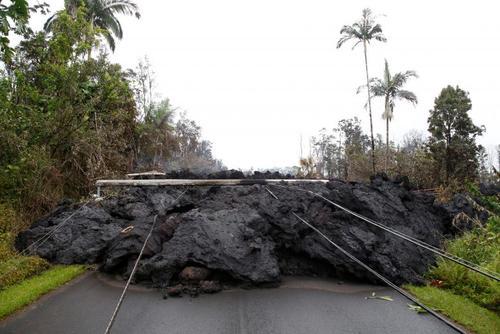 بسته شدن جادهای در هاوایی آمریکا در اثر سفت شدن گدازههای آتشفشانی