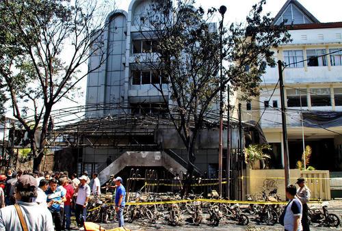 حمله انتحاری داعش به 3 کلیسا در جزیره سورابایا اندونزی/ شینهوا