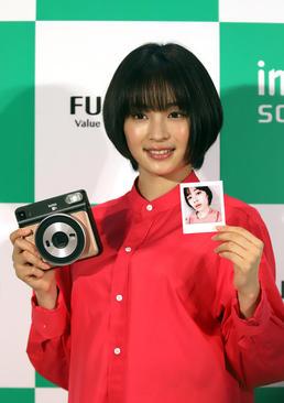 رونمایی از دوربین عکاسی جدید شرکت فوجی در شهر توکیو ژاپن