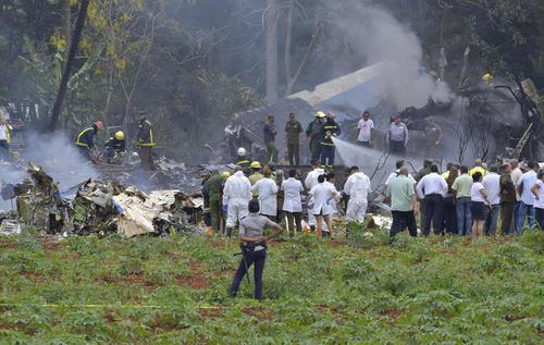 سقوط مرگبار یک هواپیمای مسافربری بوئینگ 737 یک شرکت هوایی کوبا با 104 سرنشین دقایقی پس از برخاستن از باند فرودگاه شهر هاوانا