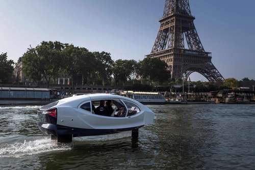 تاکسی برقی پرنده روی رود سن در پاریس/خبرگزاری فرانسه
