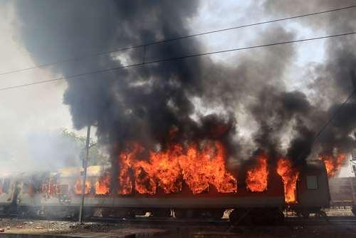 آتش گرفتن یک قطار مسافربری در گوالیور هند